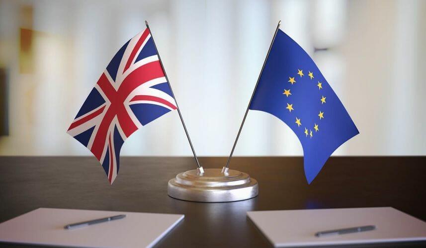 Bảng Anh chịu nhiều áp lực khi các cuộc đàm phán Brexit bủa vây quan chức EU và Vương quốc Anh