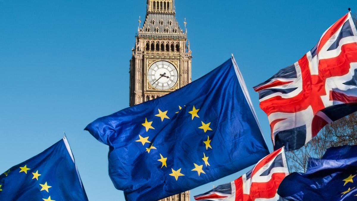 Đồng Bảng Anh suy yếu do lo ngại xung quanh Brexit, đồng Bạc Xanh phục hồi