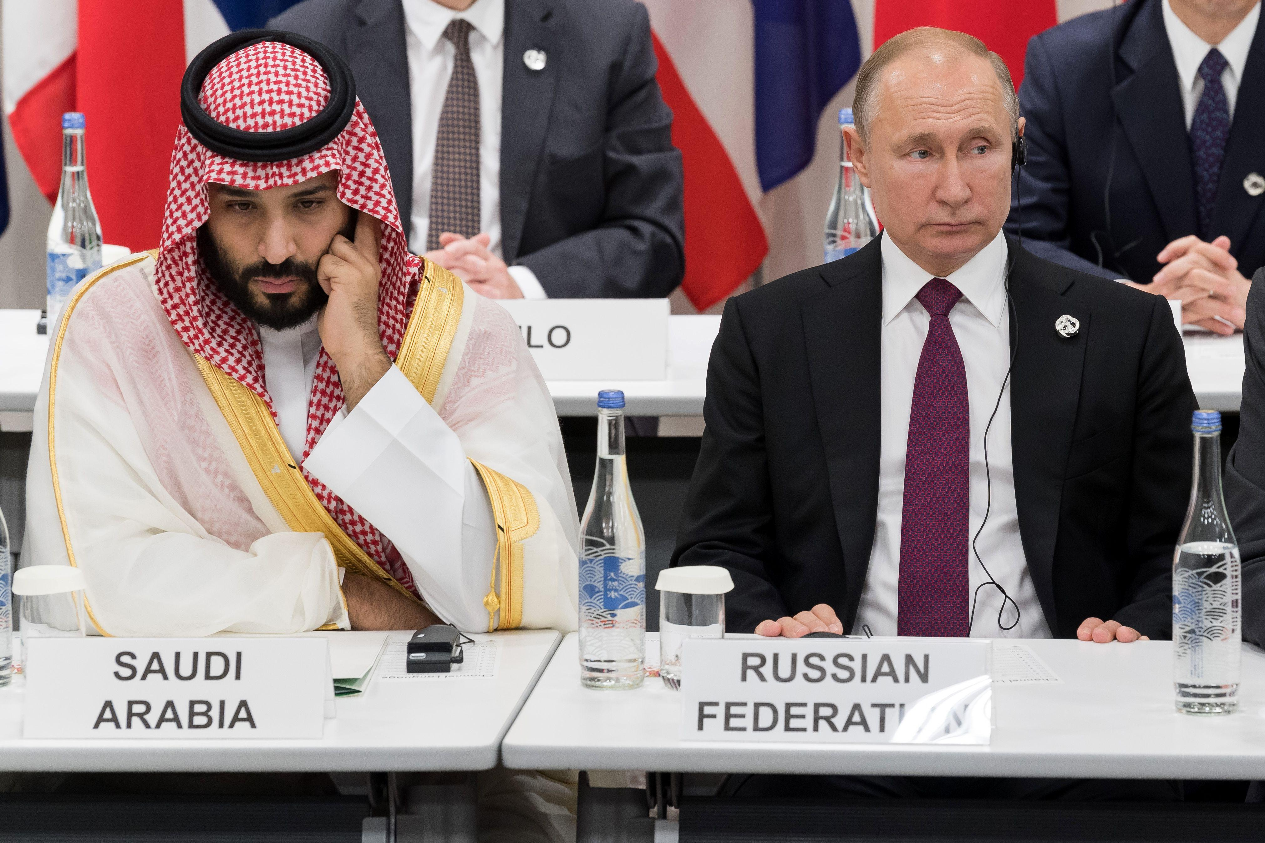 Làn sóng dịch bệnh thứ hai có thể đẩy giá dầu xuống thấp hơn và kích hoạt thêm hành động từ OPEC +